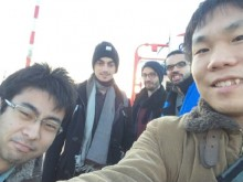 日本人学生と一緒に記念撮影