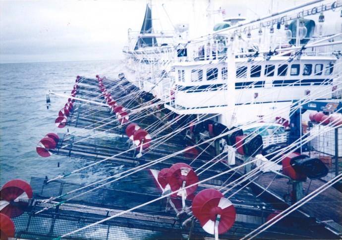 大型イカ釣船